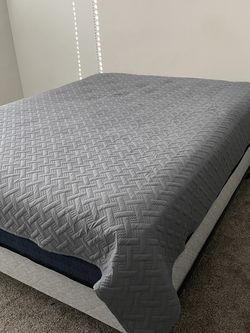 Queen size bed frame headboard with box spring the mattress is not included for Sale in North Salt Lake,  UT