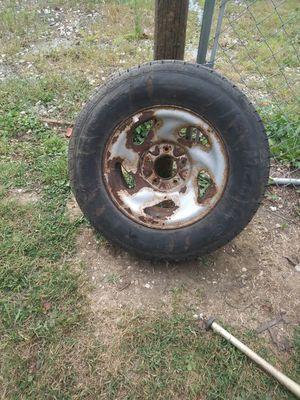 Tire 235/70/16 for Sale in Peoria, IL