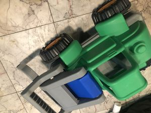 1 green baby toy car (used) for Sale in Nashville, TN