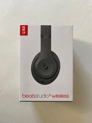 Beats studio three empty box for Sale in San Marcos, CA