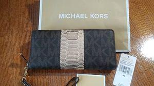 Wallet Michael Kors for Sale in Wahneta, FL