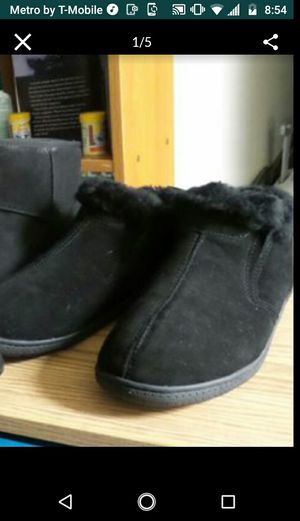 FURRY BOOTS UNISEX for Sale in Los Angeles, CA