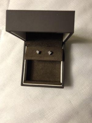 1/10 ct diamond earrings real diamond for Sale in Warren, MI