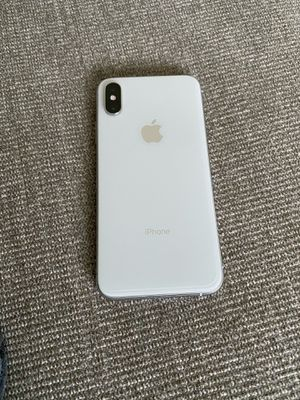 Trade/Sell Unlocked AT&T/T-Mobile/Cricket iPhone XS 64GB w/Screen Protector/6 Cases &Charger & Earbuds for Sale in Affton, MO
