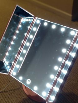 TOUCH TRIFOLD DIMMABLE LED MAKEUP MIRROR for Sale in Beaumont,  CA
