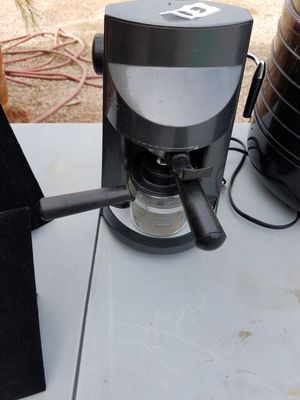 One cup coffee maker with latte maker for Sale in Phoenix, AZ