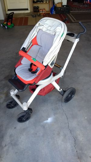 Orbit baby G2 stroller with car seat for Sale in Kennewick, WA