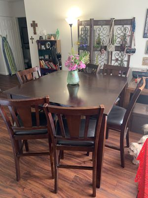 Mahogany Wooden Dining Room Table for Sale in Pico Rivera, CA