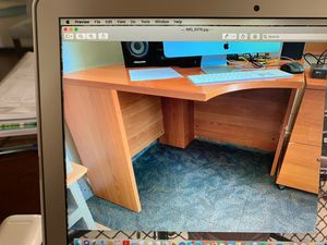 Corner desk for Sale in San Bruno, CA