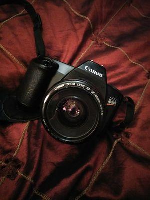 Canon EOS Rebel Camera , tri-pod, carrying case for Sale in Sacramento, CA