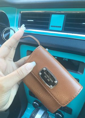 Micheal Kors Wallet keychain for Sale in Durham, NC