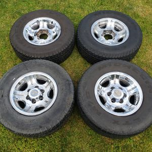 OEM Chrome Toyota Landcruiser or Lexus LX450 Wheels with Michelin LTX 275/70R16 for Sale in Kent, WA