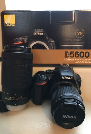 Nikon D5600 for Sale in Cleveland, OH