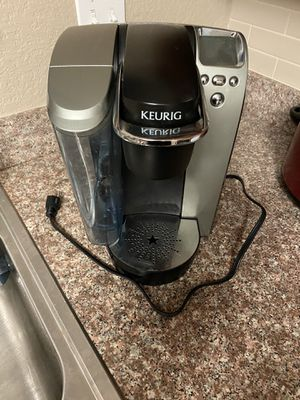 Keurig single cup coffee maker for Sale in Tampa, FL