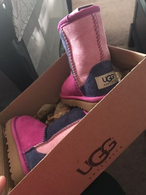 Baby girl ugg boots for Sale in Perris, CA