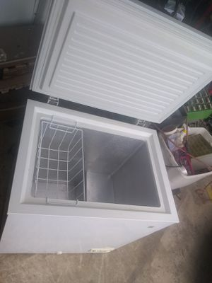 General Electric freezer in perfect working condition for Sale in San Antonio, TX