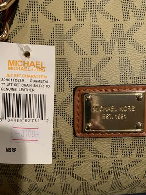 $298 Michael Kors Authentic duffel bag. New with tags. for Sale in Niagara Falls, NY