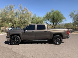 2014 CHEVY SILVERADO Z71 for Sale in Phoenix, AZ