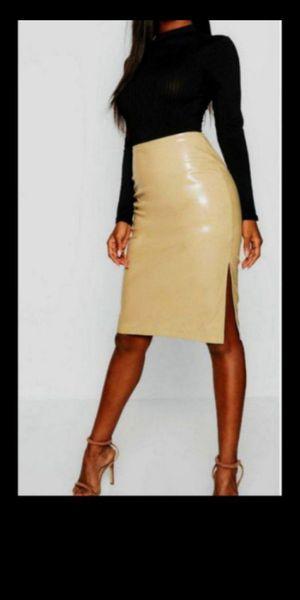 Skirt Leather PU Snake Print/ Brand New / falda nueva color hueso Midi Bone Tan Nude patent vinyl for Sale in Fullerton, CA