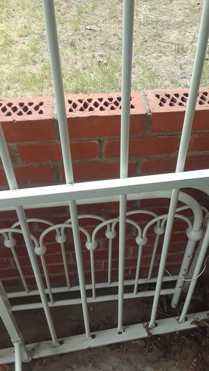 Queen size bed frame for Sale in Marshall, TX