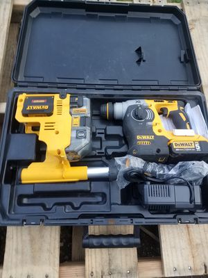 """DEWALT DCH273P2DH 20V MAX XR Brushless 1"""" L-Shape SDS Plus Rotary Hammer Kit with Dust Extractor for Sale in Snohomish, WA"""