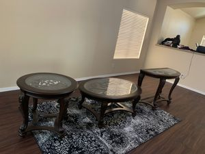 Coffee table and end table for Sale in Phoenix, AZ