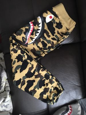 Bape shark sweat pants yellow camo for Sale in Alameda, CA