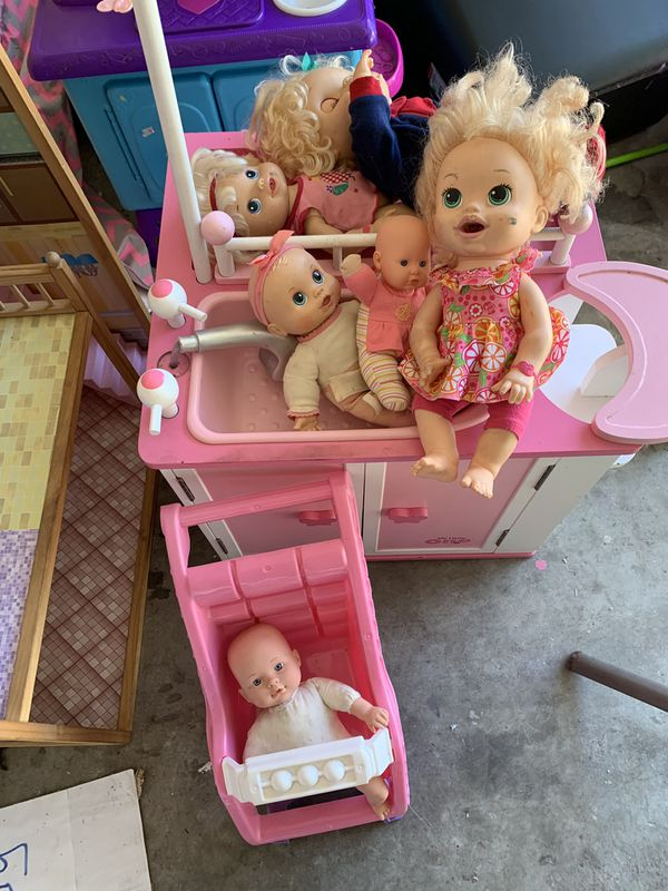 Baby changing table plus dolls