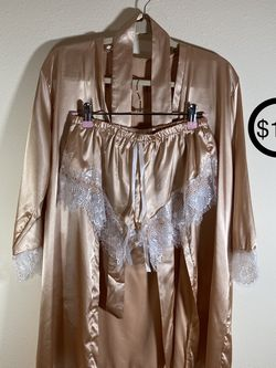 Champagne Silk Robe And Bootie Shorts (unworn) for Sale in Portland,  OR