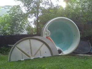 Hot Re purpose wate Lilly pad garden, or?? Top alone worth.. Great up to 250 gallon water / or... Container for Sale in Indianapolis, IN
