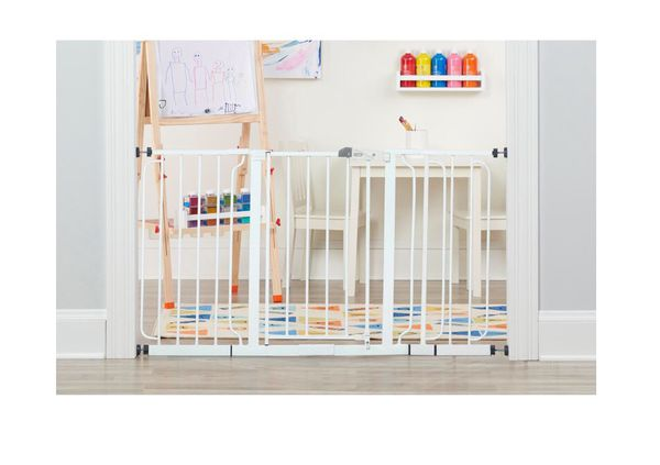 New Regalo baby/safety gates