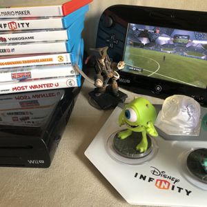 Nintendo Wii U with games for Sale in Hollywood, FL
