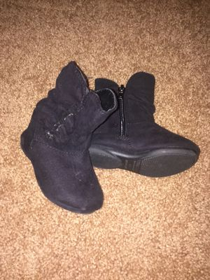Size 4 toddler girl boots for Sale in North Saint Paul, MN