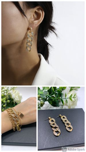 European Style Multilayer Pendant Crystal Chunky Chian Bracelet and Earrings, Gold Color for Sale in Los Angeles, CA