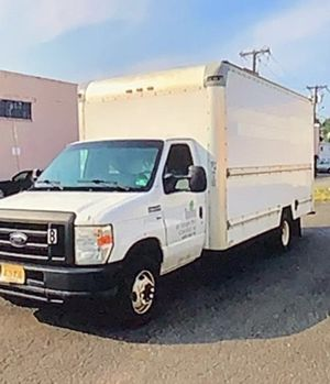 Ford 350 super duty box truck for Sale in Fort Lee, NJ