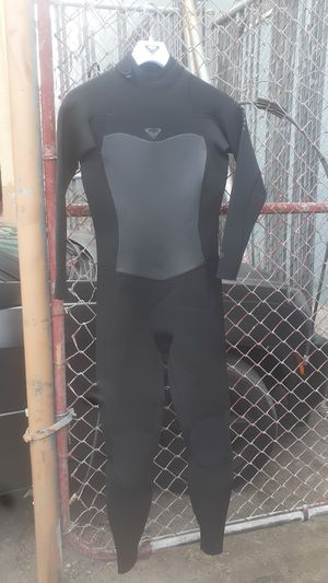 Wet suits 8T for Sale in Los Angeles, CA