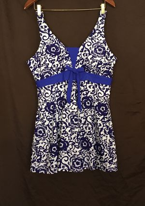 Ching Yun swimsuit women's size 20/22 (2XL) for Sale in Phoenix, AZ