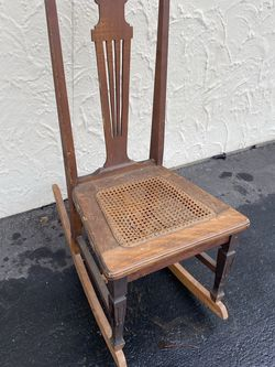 Antique Rocking Chair for Sale in Selah,  WA