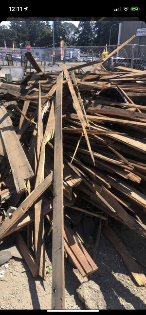 Free Delivered Pile of Miscellaneous Scrap Lumber for Sale in Tacoma, WA