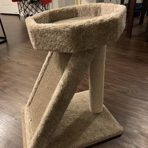 Cat Scratching Tower for Sale in Fort Lauderdale, FL