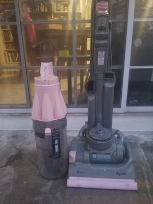 ORIGINAL DYSON DC07 all surface upright vacuum for Sale in Beverly Hills, CA