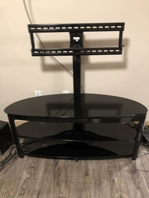 TV Stand & Entertainment Center w/ built-in TV Mount for Sale in Madison, WI