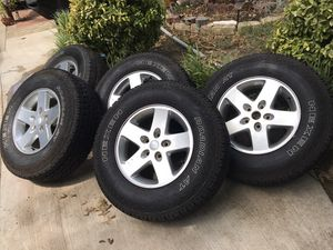 Jeep wheels and tires for Sale in Irving, TX