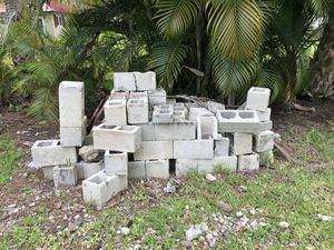 Free Concrete Blocks for Sale in Palm Beach Gardens, FL