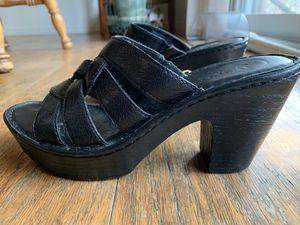 Leather Born Brand Women's Platform Sandals (size 7) for Sale in Normal, IL
