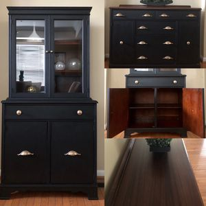 Set of china cabinet and buffet table for Sale in Gainesville, VA