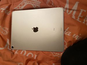 iPad Pro 12.9 3rd generation for Sale in Memphis, TN