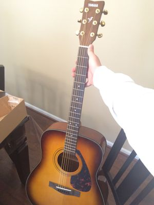 Yamaha acoustic guitar for Sale in Macomb, MI
