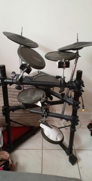 Electrical drum set for Sale in SUNNY ISL BCH, FL