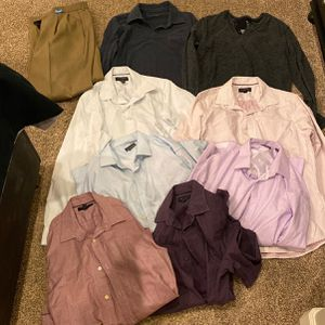 Free Clothes PENDING PICKUP for Sale in Scottsdale, AZ